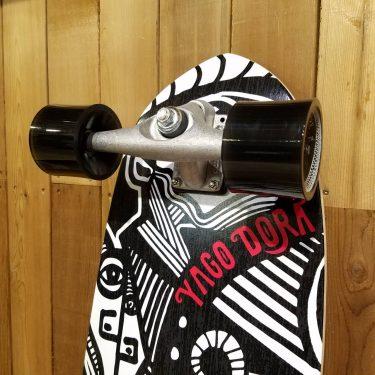 再入荷!YAGO DORAモデル CARVER スケートボード