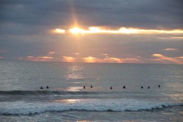 2020初波乗りの波予想と初日の出サーフィンのお誘い