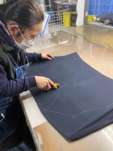 ウェットスーツ、既製品とオーダーの違いは何?