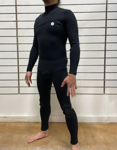 要チェックなウェットスーツその4 ACER – ZPL02 SEAM&CLOTCH LESS –